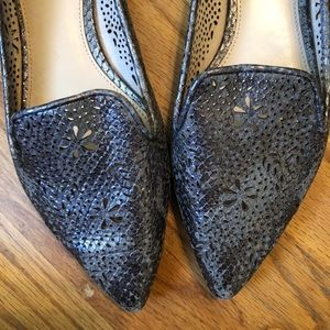Vince Camuto Silver Perforated Flats Sz 8/38